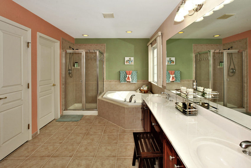 027_Master Bathroom